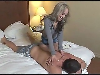 Shemale vs Guy tranny porn