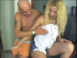 Blonde tranny goes wild