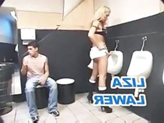 "Shemale Threesome In A Toilet"" target=""_blank"