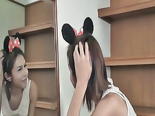 Ladyboy Organ - Not-so-Minnie Mouse