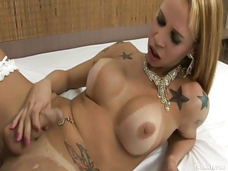 Hooker Sandy Fucks Yago For Cash