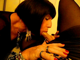 Michele Nylons Transvestite Sucking Jackee