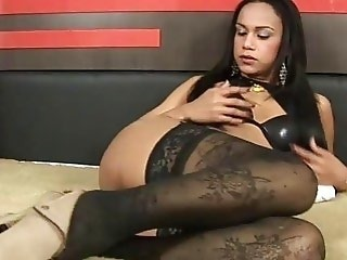 Chic tranny gets it ever deeper