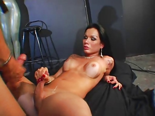 Hot !!! Wow sexy latina shemale get fucked