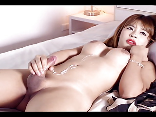 Asian T-Girl finish off