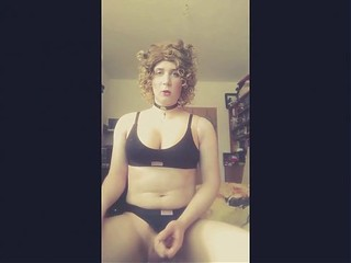 Videos from shemalecocklovers.com