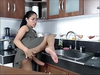 Videos from onlinetrannysex.com