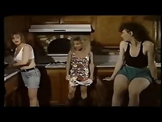 Videos from xxxfreeshemale.com
